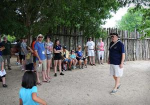 Tour-guide,-Jamestown-5711